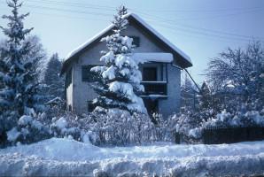 Sauerlach im Winter, Ecke Münchener/v.Aychstetter-Straße, abgerissen Anfang der 80er Jahre