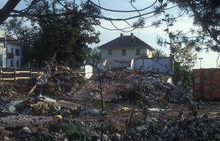 Abbruch der Gebäude am alten Bahnhofsplatz Süd (Kiosk, Molkereigenossenschaft)