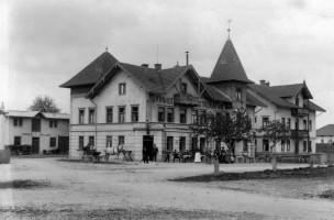 Bahnhofs-Restauration, erbaut 1896, Münchener Straße, heute Andreas-Apotheke
